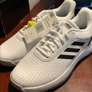Men's tennis shoe by adidas size 9 and white